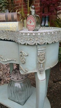Shabby chic french detailing in Annie Sloan chalk paint, by Imperfectly Perfect xx