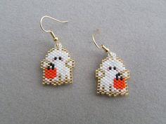 Items similar to Cute Little Ghost Earrings on Etsy Halloween Beads, Halloween Earrings, Halloween Jewelry, Halloween Fun, Jewelry Patterns, Beading Patterns, Beaded Earrings, Beaded Jewelry, Bead Loom Designs