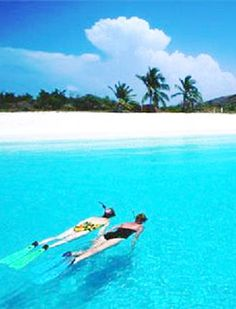Day Trip Culebra Is A Small Caribbean Island Mostly Covered In Nature Preserve That Lies About 20 Miles East Of Puerto Rico You Can Reach Via