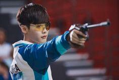 How Does Lee Jong Suk's Real Shooting Skills Stack Up Against His Drama Character? | Soompi