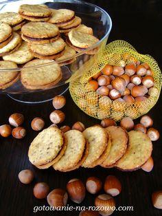 Markizy orzechowe z kremem nutellowym  www.gotowanie-na-rozowo.com