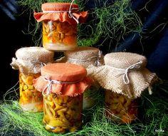 Kurki marynowane, słodko kwaśne | Smaczna Pyza Food Club, Canning Recipes, Stuffed Mushrooms, Tasty, Jar, Vegetables, Canning, Stuff Mushrooms, Vegetable Recipes