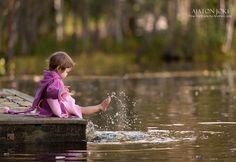 Children / Families ‹ Ajaton Joki / Fine Portraits by Andrea Joki Little People, Little Girls, Lake Photography, Childhood Photos, Splish Splash, Beautiful Children, Family Portraits, Kids Playing, Color Splash