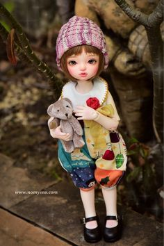 #bjd #abjd #balljointdoll #dollofstargram #instadoll #dollstargram #toy #paint #painting #painted #repaint #handmade #nomyens #nomyensfaceup #iplehousedoll #iplehouse #iplehousebjd #iplehouseanne Star G, Ball Jointed Dolls, Cute Dolls, Bjd, My Girl, Crochet Hats, Cosmetics, Toys, Handmade