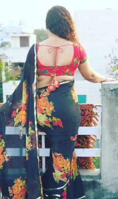 Beautiful Women Over 40, Beautiful Girl Image, Indian Actress Hot Pics, Most Beautiful Indian Actress, Beauty Full Girl, Beauty Women, Beautiful Blouses, Beautiful Dresses, Bollywood Style Dress