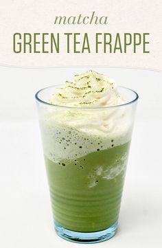 If you love green tea lattes, try them frozen! Blend that matcha green tea with milk and ice for a simple and sweet drink with an antioxidant kick. Matcha Drink, Matcha Smoothie, Tea Smoothies, Juice Smoothie, Smoothie Drinks, Tea Drinks, Beverages, Cocktails, Green Tea With Milk