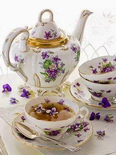 Violet tea
