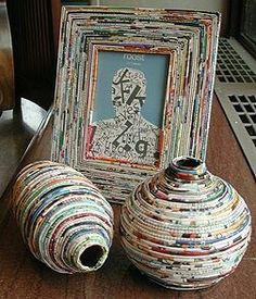 Another good Idea using recycled magazines and news papers Recycled Paper Crafts, Recycled Magazines, Old Magazines, Recycled Crafts, Recycled Jewelry, Handmade Crafts, Handmade Rugs, Recycle Newspaper, Newspaper Basket