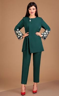 Suit Moda Urs #2462 z Stylish Kurtis Design, Stylish Dress Designs, Designs For Dresses, Stylish Dresses For Girls, Dresses Kids Girl, Stylish Outfits, Fashion Outfits, Pakistani Dresses Casual, Indian Gowns Dresses