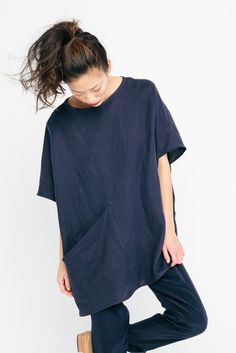 Harper Tunic in Linen from the Signature Collection by Elizabeth Suzann. Perfect tunic.