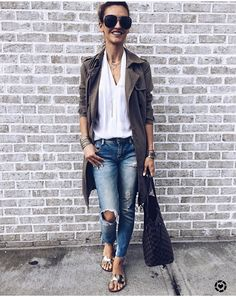 Army Coat, Duster Coat, Chic, Instagram Posts, Jackets, Style, Fashion, Shabby Chic, Down Jackets
