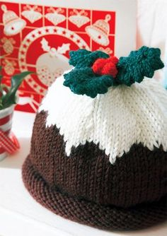 christmas knitting patterns great christmas pudding hat from debbie bliss! - Baby Stuff and Crafts Crochet Christmas Hats, Christmas Knitting Patterns, Baby Knitting Patterns, Crochet Patterns, Christmas Christmas, Christmas Crafts, Baby Hats Knitting, Xmas, Knitting For Kids