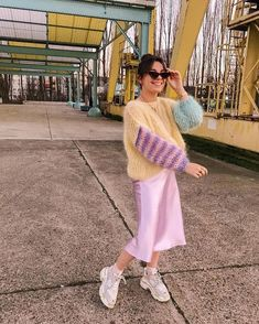 💕 I teamed up with to win this entire outfit! One hand knitted pull made by and 1 silky skirt… Spring Summer Fashion, Autumn Winter Fashion, Spring Outfits, Winter Outfits, Style Summer, Summer Outfit, Summer Fun, Mode Outfits, Casual Outfits