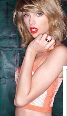 Taylor Swift's definitely having a power moment with 1989, plus check out her glowing skin!