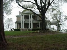 Madelyn's in the Grove- Athens, Alabama  I'm seriously gettin married here.-Oliviaaa