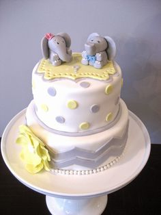 Devanys Designs: He or She Gender Reveal Elephants Cake