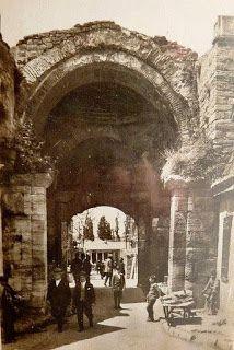 burada istanbul var: İstanbul Kara Surları ve Sur Kapıları