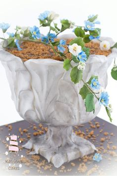 Bring Your Garden Inside by Creating a Garden-Themed Cake This gravity-defying cake will suit anyone who loves gardening or antiques. Use an inner support structure to create a large bowl on top of a footed pedestal. 3d Cake Tutorial, Fondant Figures Tutorial, Photo Tutorial, Fondant Flower Cake, Fondant Rose, Fondant Baby, Fondant Cakes, Modeling Chocolate Figures, Garden Party Cakes