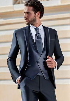 Best Designer Suits, Designer Clothes For Men, Sharp Dressed Man, Well Dressed Men, Dress Suits, Men Dress, Best Suits For Men, Suits Season, Man Dressing Style