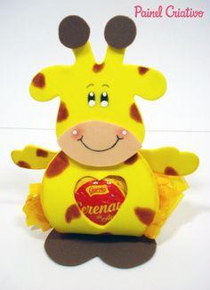 Lembrancinha porta bombom da girafinha em  EVA para festa aniversario safari, dia das crianças, volta as aulas