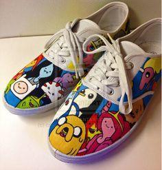 Adventure Time Shoes by on deviantART Adventure Time Shoes, Adventure Time Crafts, Painted Sneakers, Painted Shoes, Fab Shoes, Cute Shoes, Utila, Decorated Shoes, Shoe Art