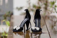 Cavalli Wedding Photos Bride Shoes, Wedding Shoes, Music Photo, Photo Black, Our Wedding Day, Couple Shoot, Beauty Make Up, Most Beautiful, Wedding Photography