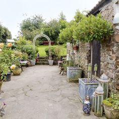 Eclectic garden | Gardens | Design ideas | Image | housetohome.co.uk