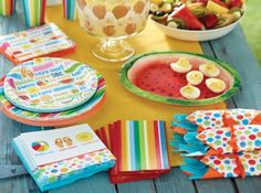Lazy Days Party Supplies & Decorations -- perfect for a summer picnic, summer barbecue, or summer party!