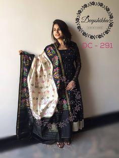 Kalamkari Dresses, Ikkat Dresses, Churidar Designs, Kurta Designs Women, Half Saree Designs, Saree Blouse Designs, Indian Designer Outfits, Indian Outfits, Designer Dresses