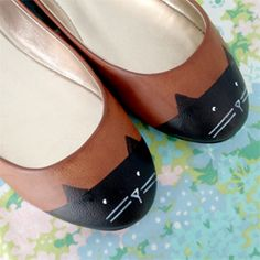 How to refashion an old pair of flats into cute cat shoes.