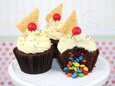 Piñata cupcakes for Cinco de Mayo! http://greatideas.people.com/2014/05/05/pinata-cookies-cupcakes-desserts/
