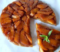 Tarta Tatin cu gutui - CAIETUL CU RETETE Waffles, Pork, Breakfast, Ethnic Recipes, Sweet, Stitches, Pies, Sweets, Canning