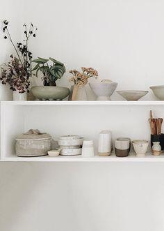 White Shelves, Floating Shelves, Living Room Remodel, Eclectic Decor, Home Decor Inspiration, Kitchen Inspiration, Cheap Home Decor, Home Decor Accessories, Home Remodeling