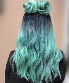 20 Photos That Prove Double Bun Hairstyles Can Be Sophisticated doublebuns spacebuns festivalhairstyles festivallooks hairinspo springhairstyles summerhairstyles 586453182712382781 Cute Hair Colors, Pretty Hair Color, Beautiful Hair Color, Hair Dye Colors, Ombre Hair Color, Amazing Hair Color, Hair Mascara, Aesthetic Hair, Pretty Hairstyles