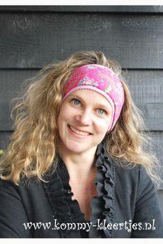 8e5fe8a0095beb Warme winter haarband fuchsia roze bloemen  haarband  warm  winterhaarband   oorwarmers  wintersport