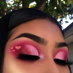 eyeshadow looks 44 Amazing Eye Make Up Ideas For ValentineS Day That You Can Try Makeup Eye Looks, Eye Makeup Art, Colorful Eye Makeup, Eyeshadow Looks, Skin Makeup, Eyeshadow Makeup, Eyeshadows, Makeup Brush, Makeup Remover