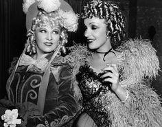 Mae West, Marlene Dietrich