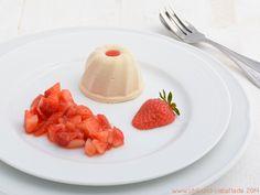 Nahgekocht: Rhabarber-Semifreddo mit Erdbeersalat