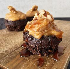Snickers muffins med peanøttsmørkrem