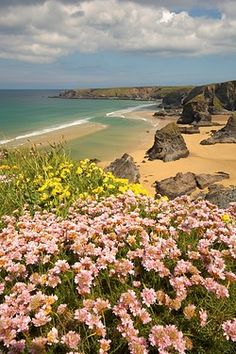 A view over the beach on the Atlantic Cornish coast at Bedruthan Steps.