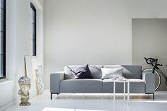 Sofa i myk ulltekstil for deg som liker den minimalistiske stilen. Decor, Furniture, Interior, Sofa, Home Decor, Couch