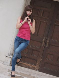 Beautiful Asian Girls, Jeans, Chinese, Japanese, Women, Clothes, Asian, Japanese Language, Denim Pants