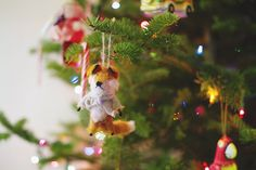 Beautiful Idea for Christmas decorations,,, So helpful!