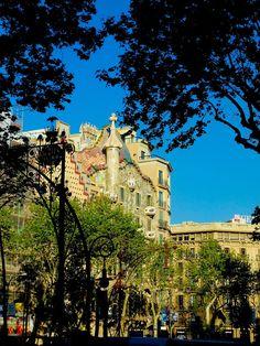 Gaudi - Barcelona by Wes Sanders on 500px