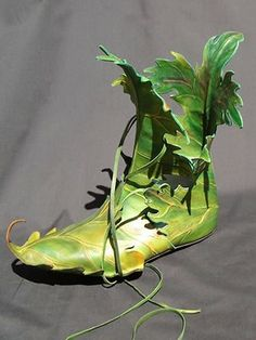 Google Image Result for http://images.wikia.com/thehungergames/images/3/35/Green-leaf-shoes.jpg