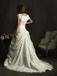 gorgeous modest wedding dress!
