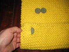 Cuello-de-punto Continental Wallet, Crochet, Crochet Mittens, Sewing Needles, Wool Yarn, Ganchillo, Crocheting, Knits, Chrochet