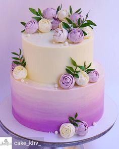 Chocolate and pear crumble cake - HQ Recipes Pretty Cakes, Cute Cakes, Beautiful Cakes, Amazing Cakes, Tulip Cake, Floral Cake, Bolo Pinata, Wedding Cake Designs, Wedding Cakes