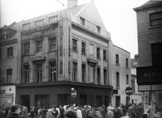 The Northumberland Arms on Northumberland Street. From Newcastle's Old Pubs, by Andrew Clark, published by Summerhill Books Newcastle, Old Pub, Great North, Might Have, Do You Remember, Old Pictures, Past, England, Street View