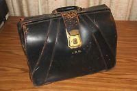 Vintage Antique Black Leather Doctors Lawyer Medical Bag Briefcase Crest Lock